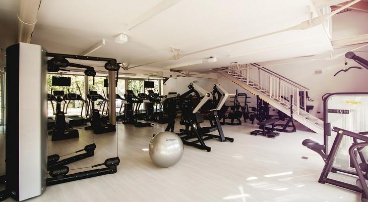スポーツジム(フィットネスジム)でのトレーニング