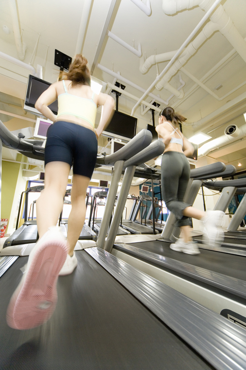 女性トレッドミルでの有酸素運動